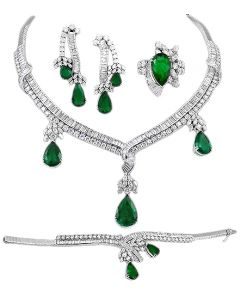 18kt. Gold Diamond and Pear Shape Emerald Suite Necklace