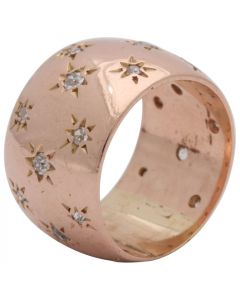 1940s Ladies Diamonds Set in Stars Motif Rose Gold Band Ring